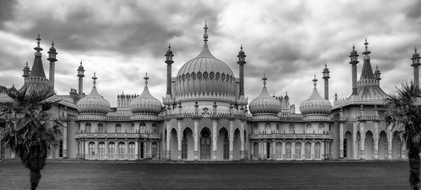 >>royal pavilion.<<