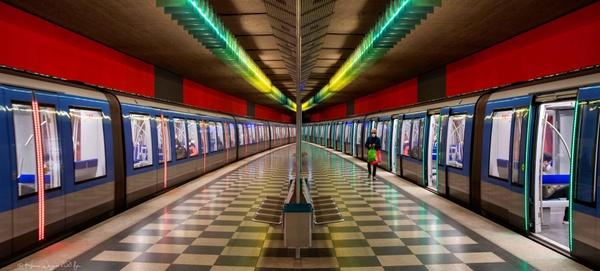 >>station.<<