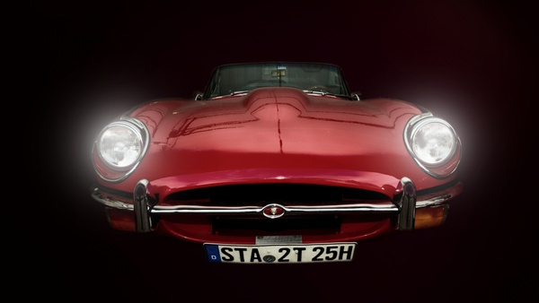 >> e-type in rot. <<