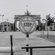 >>deutschland uneinig vaterland.<<