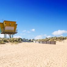 ...blauer Himmel - weisser Strand...