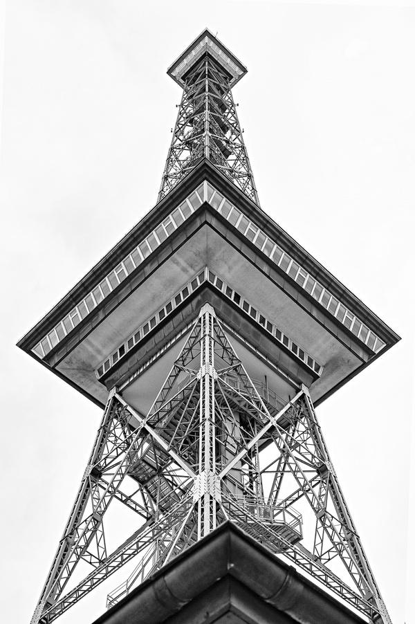 Messeturm Berlin - nichts als Dreiecke