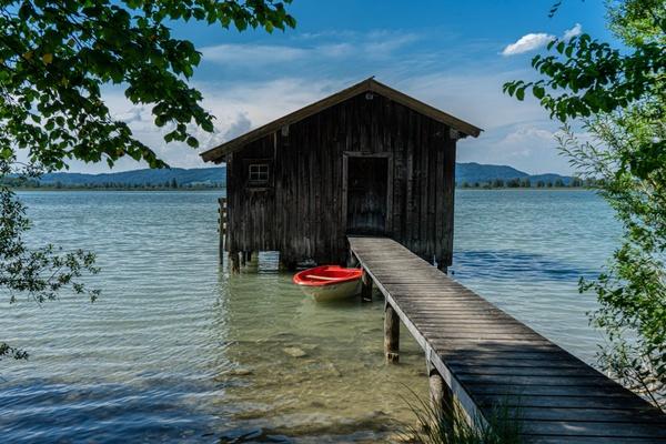 Hütte am Kochelsee
