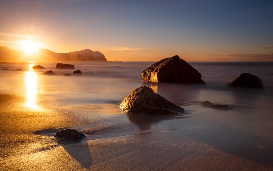 sunset Vikten beach
