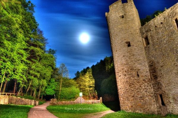 Burg Hardenstein im Mondlicht