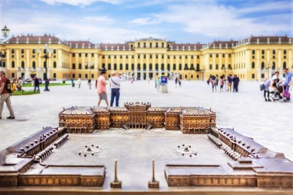 Schloß Schönbrunn - Mal groß, mal klein