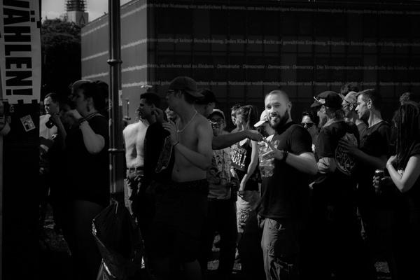 Protest raver