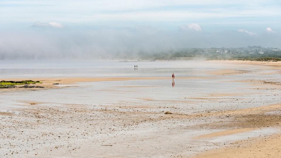 Ebbe in der Bretagne