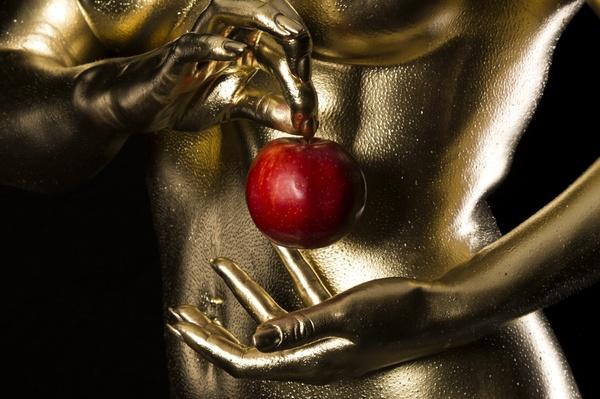 Eva und der Apfel