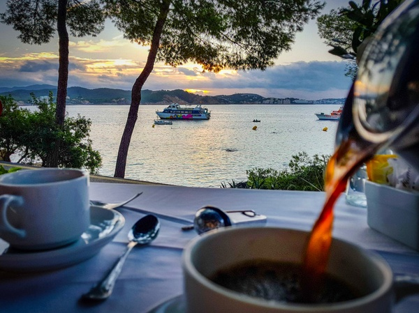 Kaffee zum Sonnenaufgang