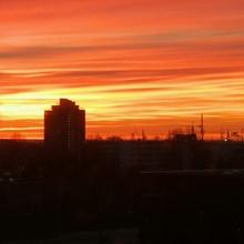 winterlicher Sonnenuntergang in Hamburg