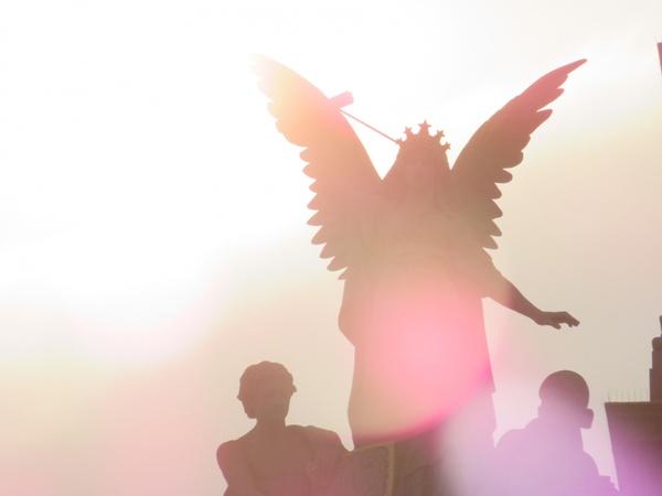 Engel in der Morgensonne