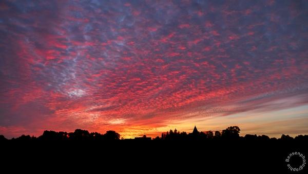 Sonnenaufgang im Dorf