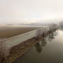 Donau im Winternebel