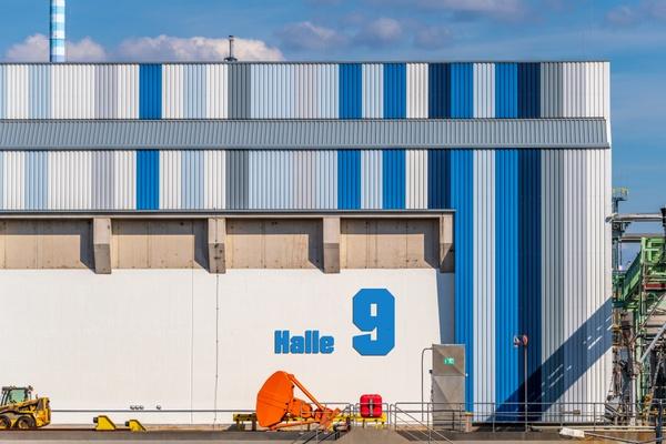 Halle 9