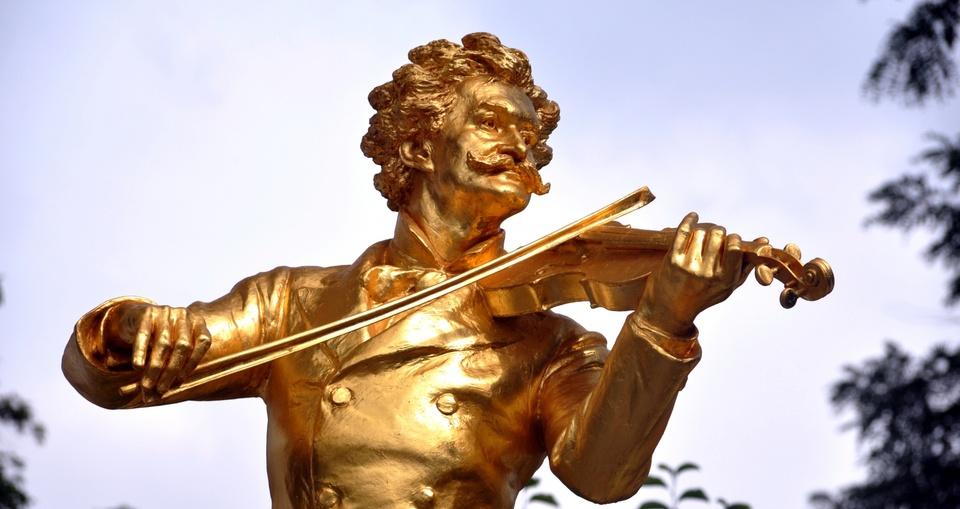 Mark Twain mit Geige