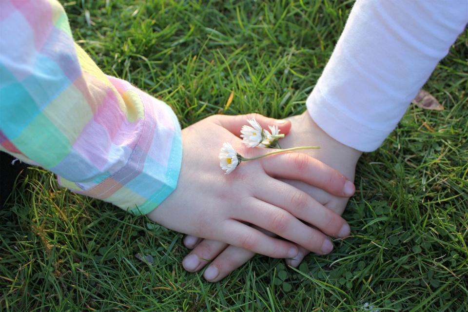 Freundschaft mit Blüten besiegelt