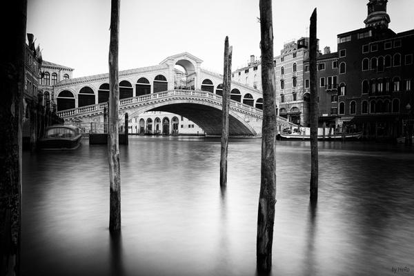 Rialtobrücke früh am Morgen