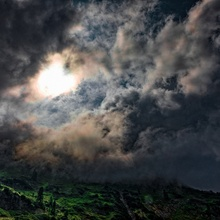 Dunkle Wolken - Wandererbedrohung