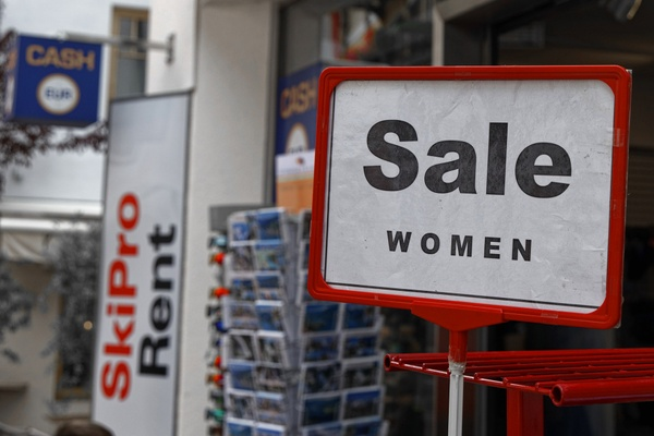 Frauenkauf - mit Cash