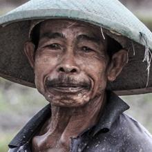 Indonesischer Feldarbeiter